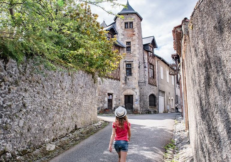 """<span class=""""maj"""">Getaway to</span> SAINT-BERTRAND-DE-COMMINGES <div id=""""sconnect-is-installed"""" style=""""display: none;""""></div> <div id=""""sconnect-is-installed"""" style=""""display: none;""""></div> <div id=""""sconnect-is-installed"""" style=""""display: none;""""></div> <div id=""""sconnect-is-installed"""" style=""""display: none;""""></div> <div id=""""sconnect-is-installed"""" style=""""display: none;""""></div> <div id=""""sconnect-is-installed"""" style=""""display: none;""""></div>"""