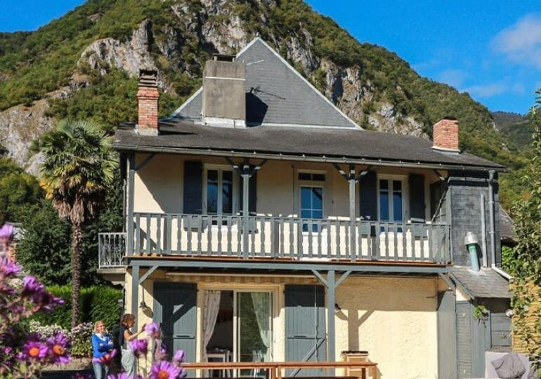 """<span class=""""maj"""">Wellness in the Pyrenees</span> <div id=""""sconnect-is-installed"""" style=""""display: none;""""></div> <div id=""""sconnect-is-installed"""" style=""""display: none;""""></div> <div id=""""sconnect-is-installed"""" style=""""display: none;""""></div>"""