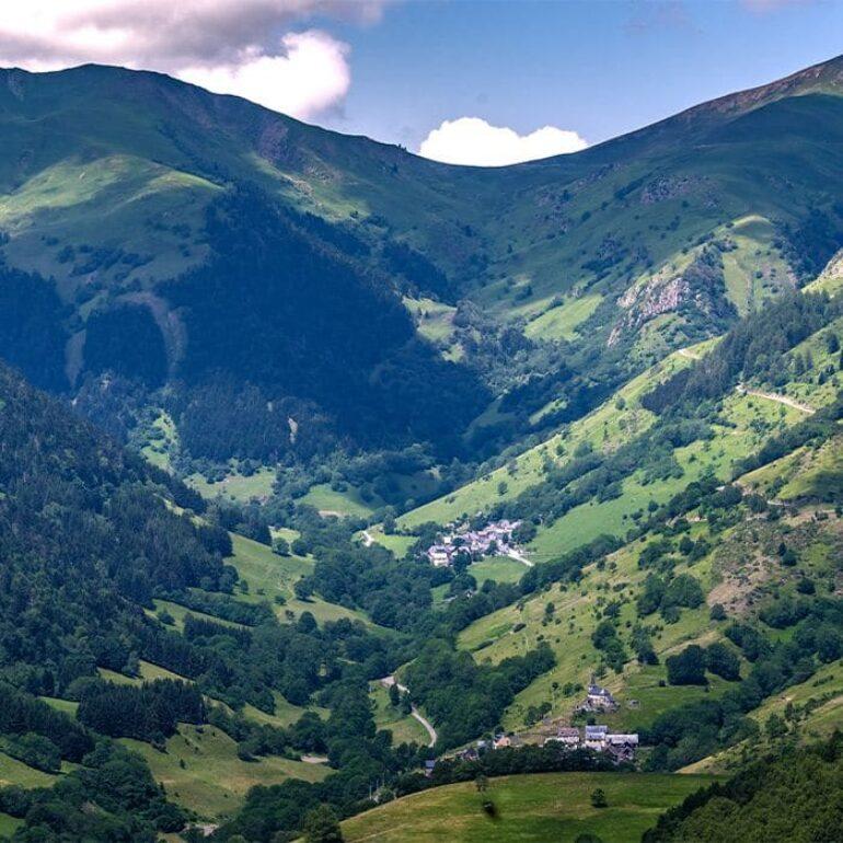 Vue Vallée des Pyrénées-Loic Bel